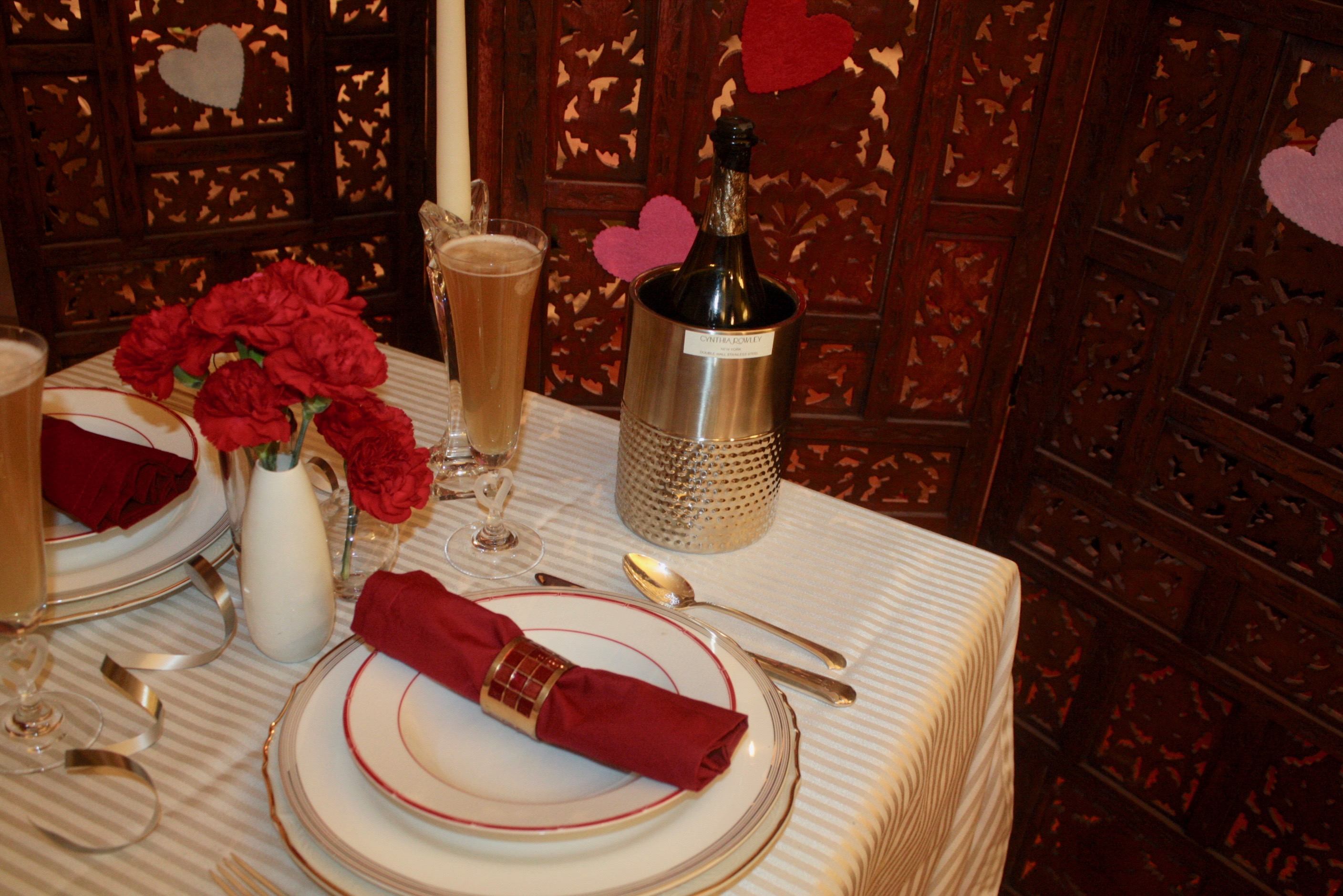 & Valentineu0027s Day Table Setting: Romantic Table for Two - Moshi Motif